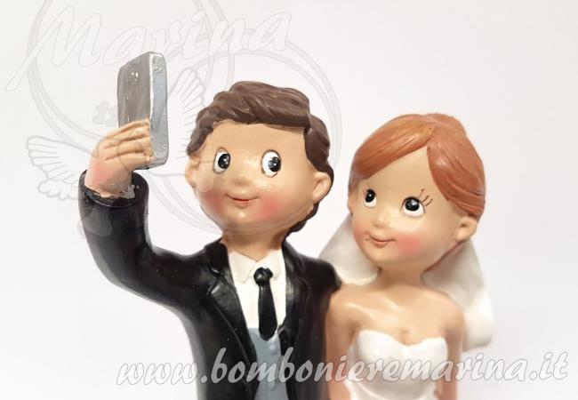coppia sposi selfie